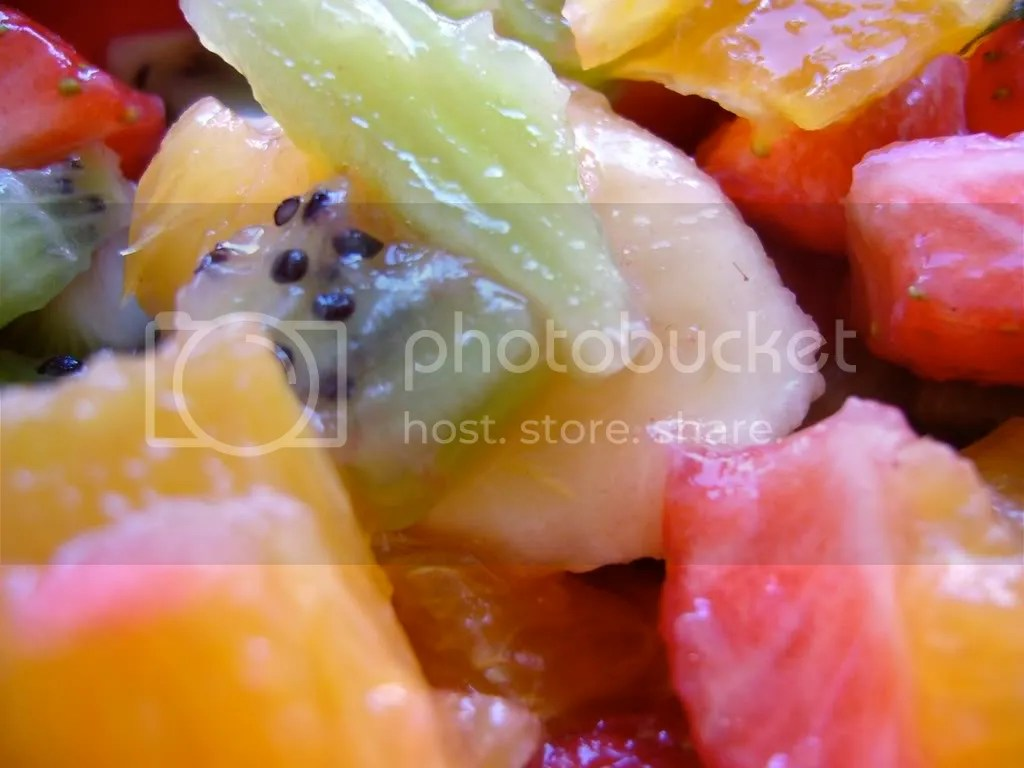 fruit salad photo: fruit Fruit_salad_closeup.jpg