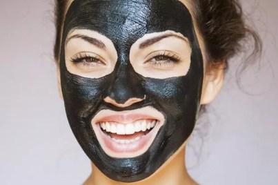 Masque détoxifiant au charbon