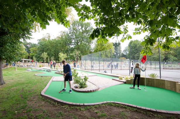 The Golden Putter Mini Golf course in Cannon Hill Park