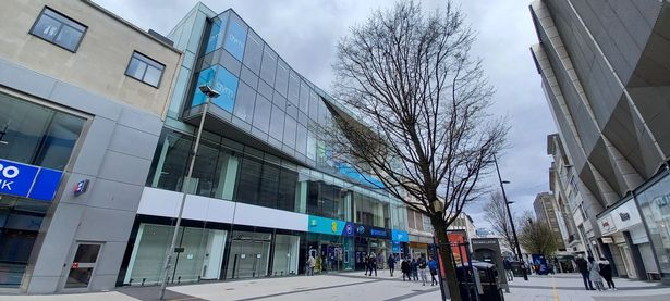 The former Currys PC World (left) on the High Street has closed despite the success of Primark (right)