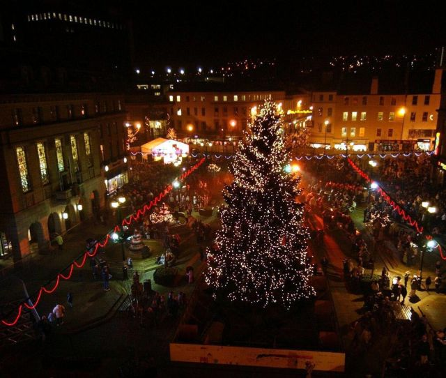 The Big Christmas Tree Lights Switch On In Dundee