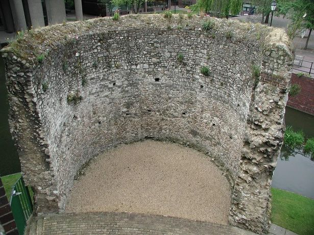 Roman curved fort in Barbican