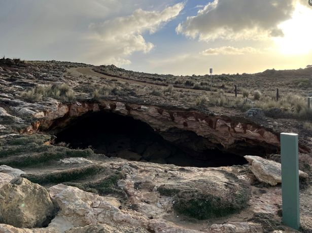 """The rare """"woe hole"""" mysteriously appeared near a coastal trail on a clifftop beauty spot in southern Australia"""