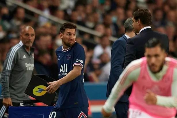 Change of Lionel Messi of PSG during the Ligue 1 Uber Eats match between Paris Saint Germain and Lyon at Parc des Princes on September 19, 2021 in Paris, France.