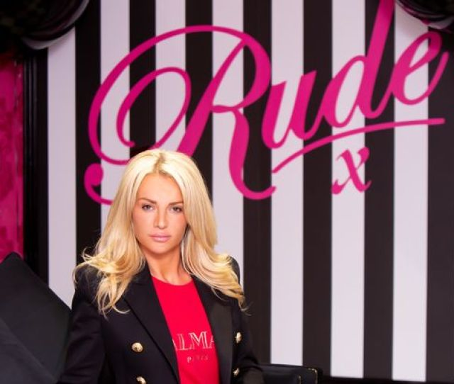 Meet Amy Gwynn The Liverpool Mum Who Said She Is Changing The Face Of Lap Dancing In Our City Image Couture Foto