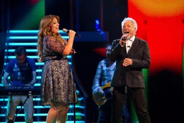 Lane Mitchell sings with Tom Jones