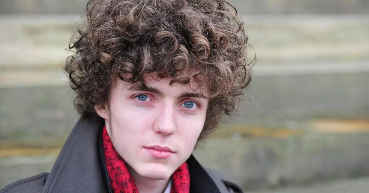 Liverpool singer Sean Walsh raises money for new Royal
