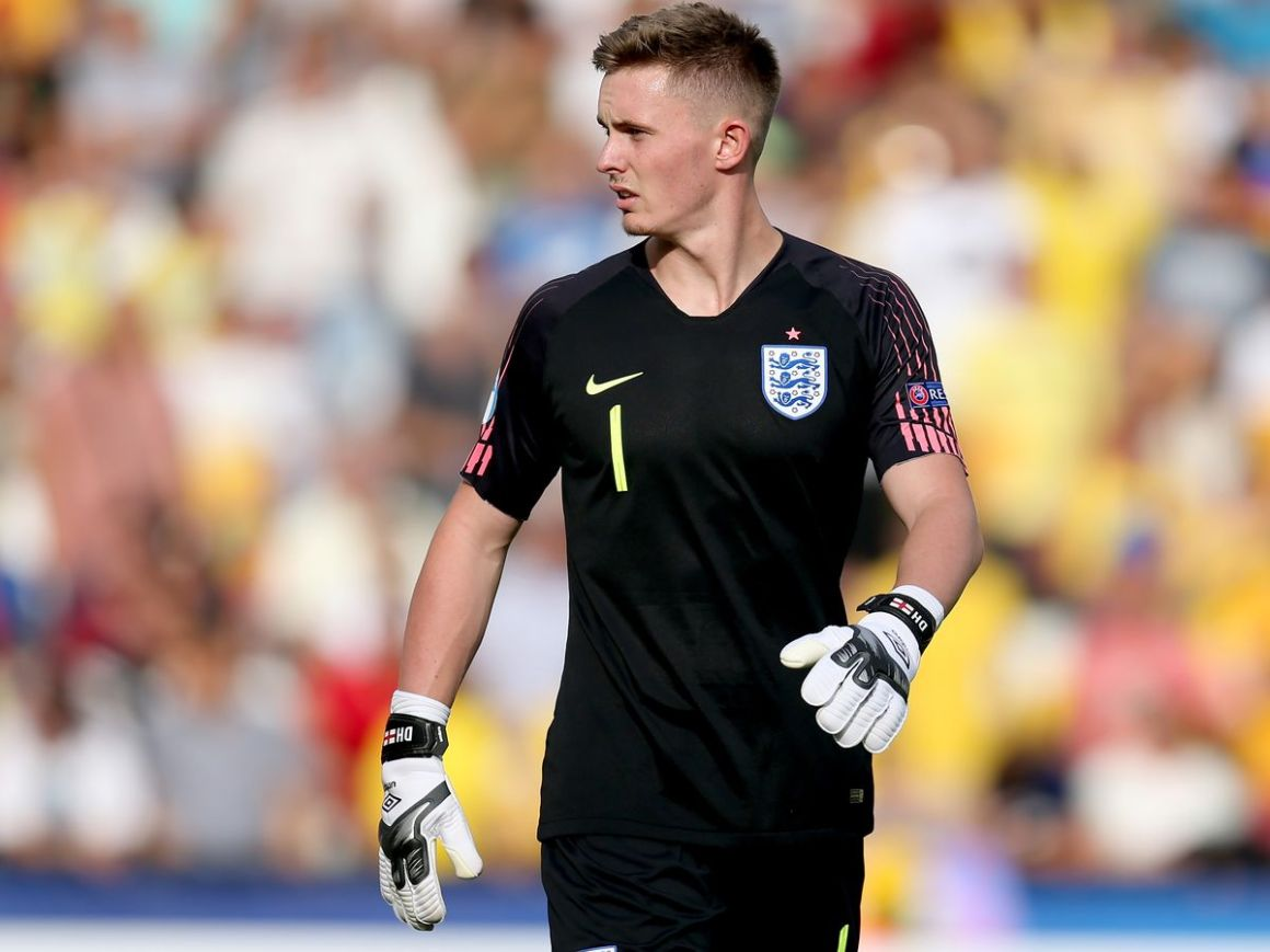 Manchester United fans think Dean Henderson was right about his future  despite mistake for England - Manchester Evening News