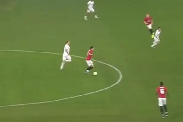 0 CapturePNG - Manchester United fans loved Victor Lindelof moment in Leeds United pre-season win