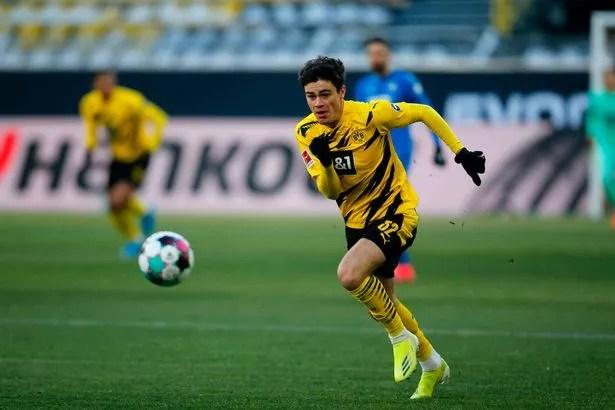Giovanni Reyna in action for Borussia Dortmund