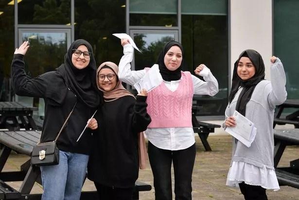 Muqaddas Ghafoor (BBC), Sabah Kamran (BBE), Malaysia Abu Ayesha (A * AB) and Afifa Maryam Chaudhry (AAA * * Wheel Range in Sixth Form)