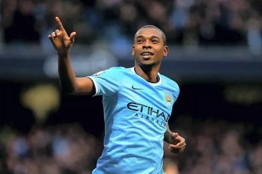 Fernandinho to make Manchester City return 'in 15 days ...