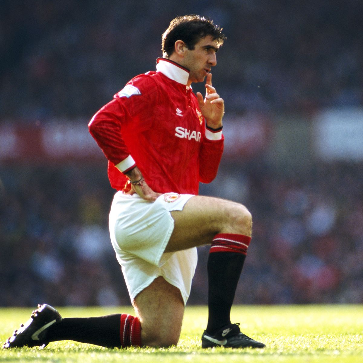 Eric cantona has attempted to explain his bizarre champions league speech. Why Eric Cantona Always Played With An Upturned Collar For Manchester United Manchester Evening News