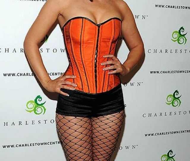 April 2008chanelle Hayes Performs Her Debut Song I Want It In