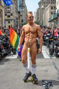 New York celebrates pride in historic birthplace of march as LGBT parties  take place across the US - Mirror Online