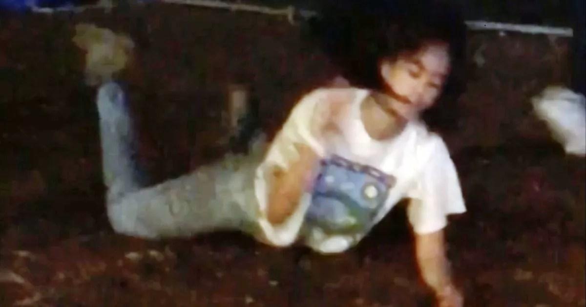 Teenage Malia Obama Writhes Around On The Ground At