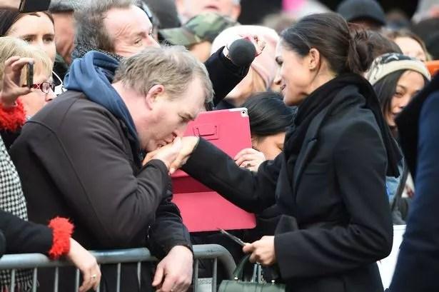 adoring royal fan kisses