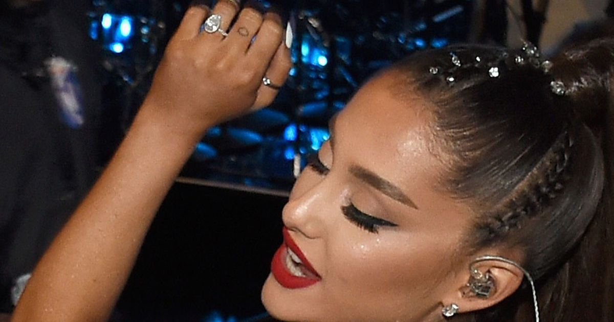 Is Ariana Grande Engaged To Pete Davidson Singer Shows