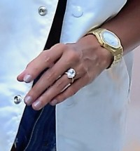 Staggering cost of Hailey Baldwin's enormous diamond ...