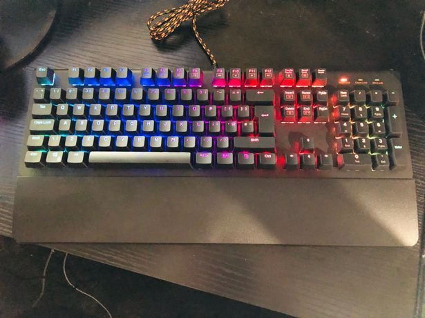 ADX Firefight MK02 gaming keyboard and Firestorm H03