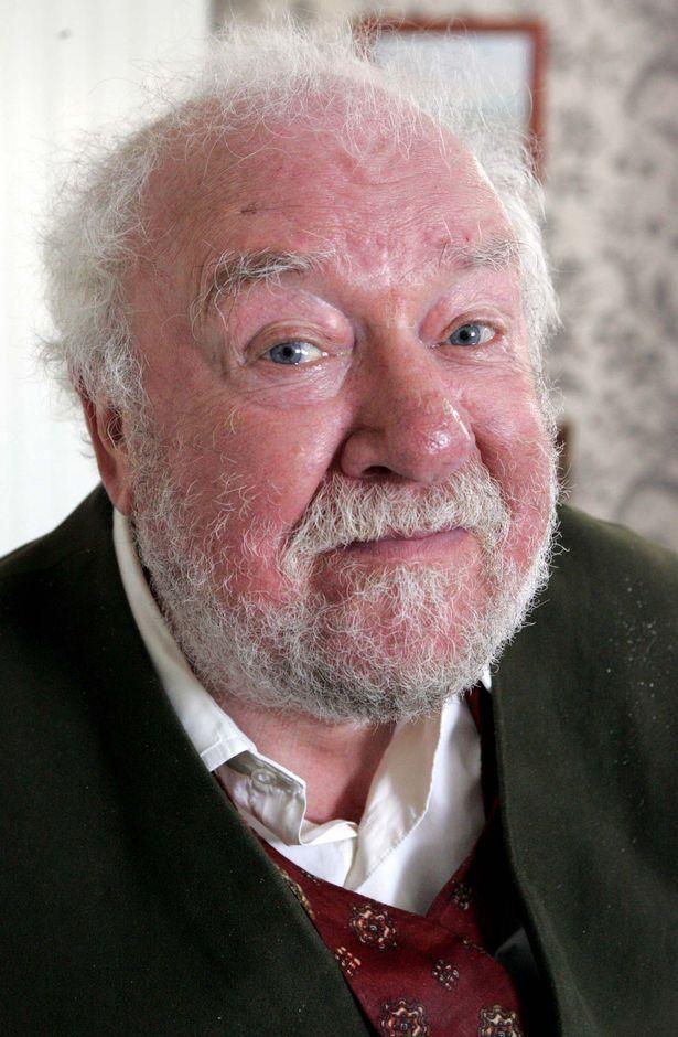 Freddie Jones dead: Emmerdale star who played Sandy Thomas dies aged