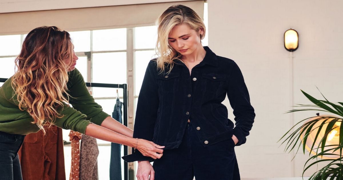 holly willoughby s stylist