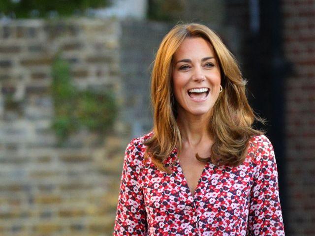 kate middleton displays new hairstyle dropping princess