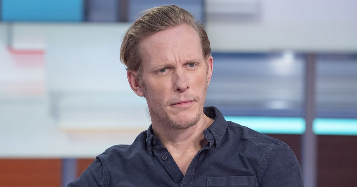 """Laurence Fox apologizes to """"human companions who are #Sikh"""" after the 1917 comments"""