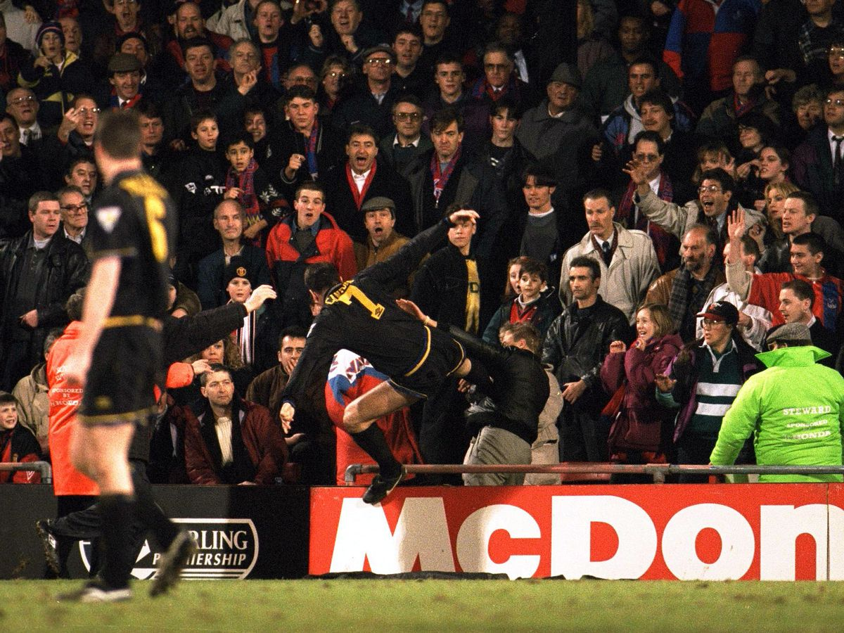 Manchester united legend eric cantona was infamously sent off for kicking a crystal palace fan back in 1995, but his only regret is not. New Eric Cantona Book Explains Sir Alex Ferguson Shock At Infamous Kung Fu Kick Mirror Online