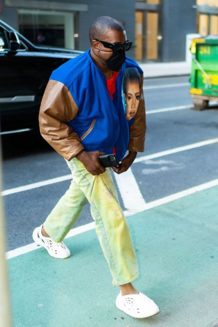 Kanye West turns heads in bold outfit as he arrives in New York ...