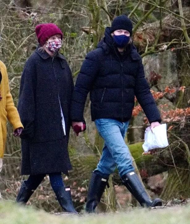 Taylor Swift and boyfriend Joe enjoy a walk in London