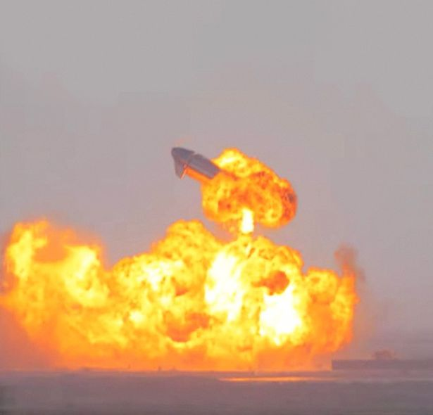 SpaceX Starship SN10 explodes after liftoff