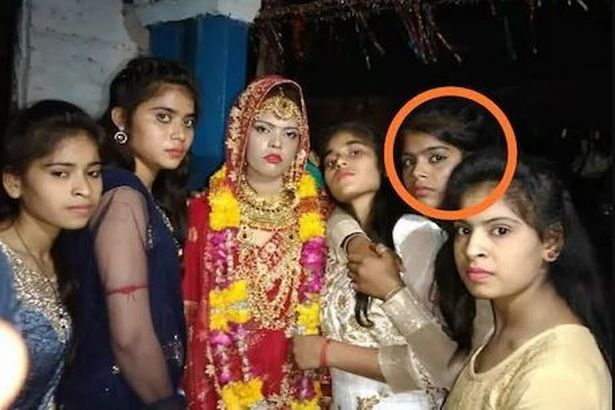 The sisters are pictured together on the day before the sudden death of Surbhi, with Nisha circled