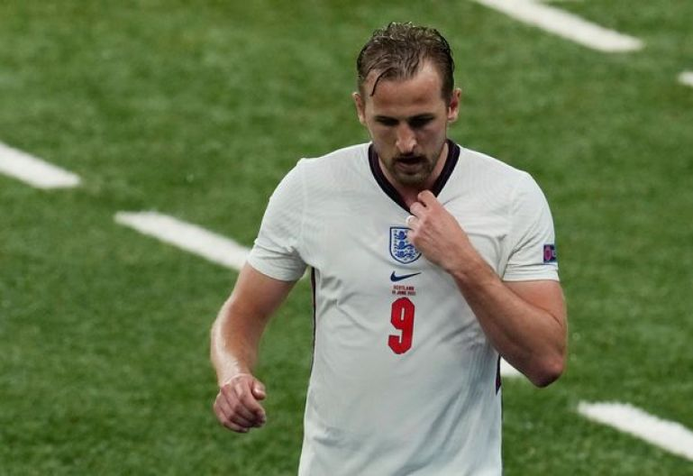 England 0-0 Scotland: 5 talking points as Harry Kane frustrated by fearless  Scots - Mirror Online