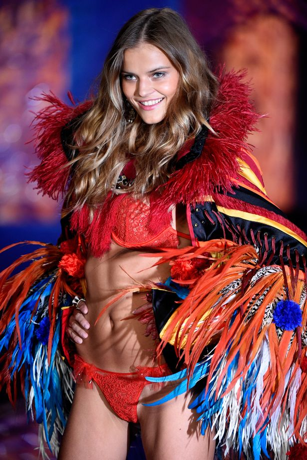 Who Are The Victorias Secret Angels Meet The 15 Winged