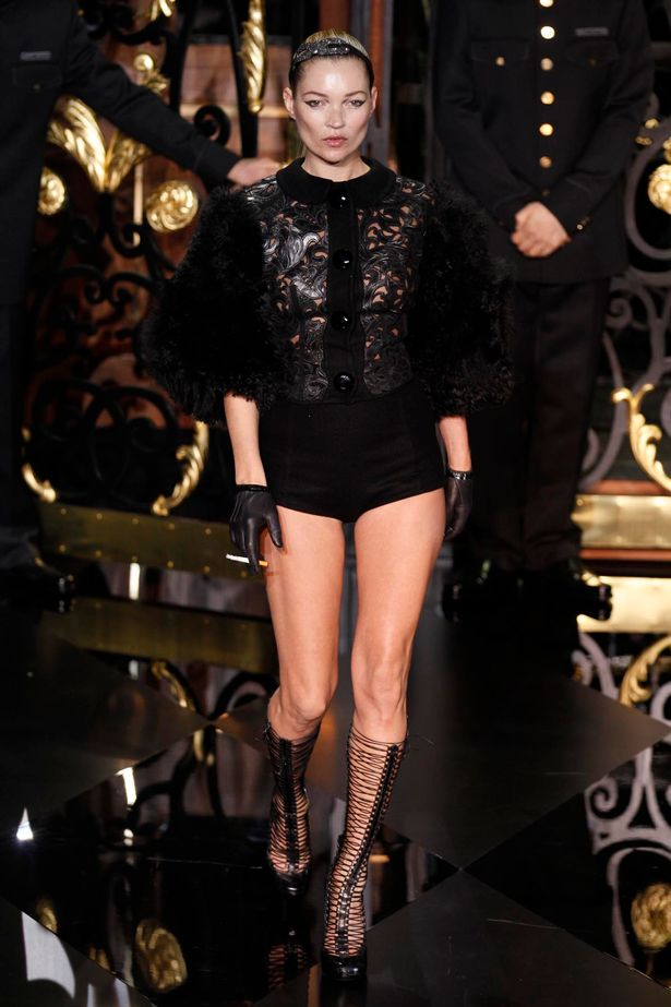 Model Jessica Stam walked the catwalk with Kate Moss