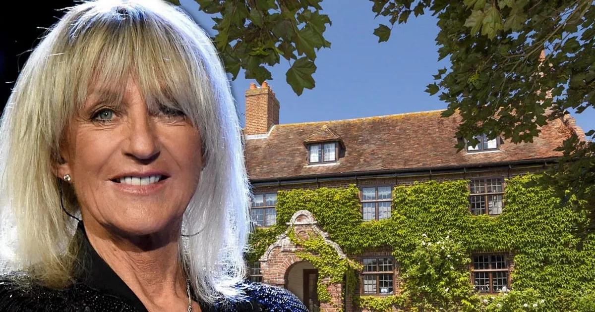 Fleetwood Mac singer Christine McVie selling sixbedroom