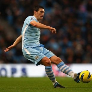 Manchester City's Gareth Barry in race against time to be fit for the new  season - Mirror Online