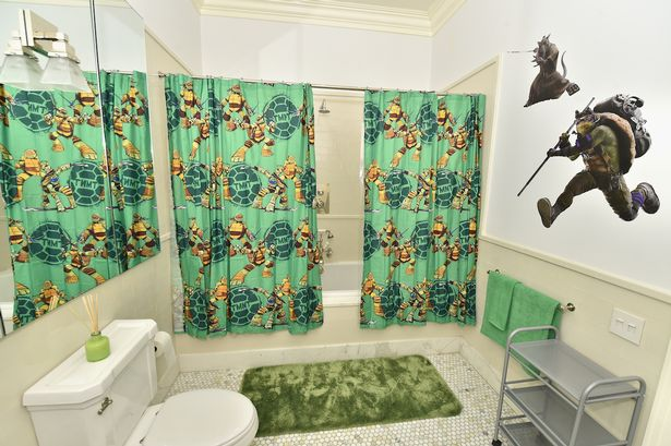 airbnb with teenage mutant ninja turtle theme has glow in the dark