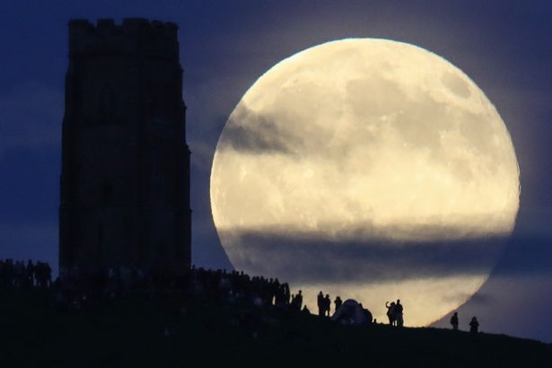 Full Blue Moon to appear over UK tonight - what it is and when to ...