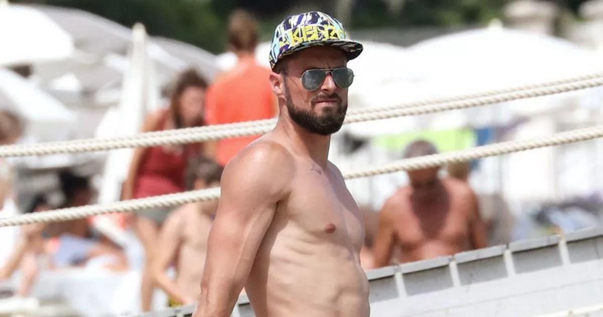 Olivier Giroud Body