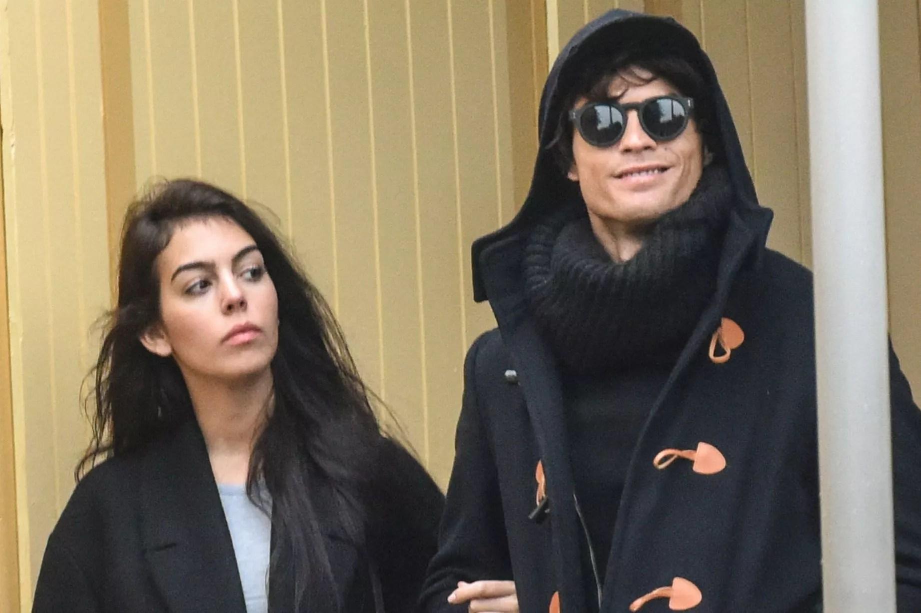 PICS] Cristiano Ronaldo\u0027s Girlfriend: Fans Bombard Georgina ...