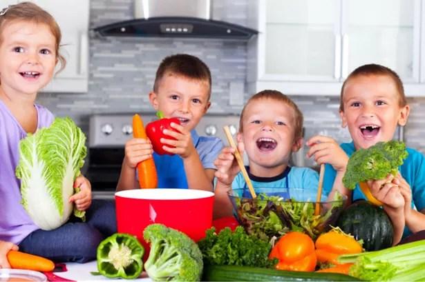 Resultado de imagen de children and food