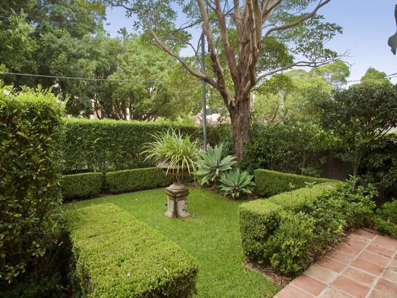 photo of a australian native garden design from a real australian home