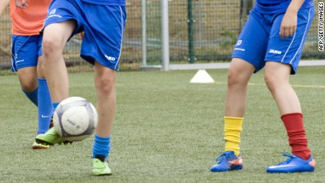 U.S. youth soccer players told: Don't head the ball