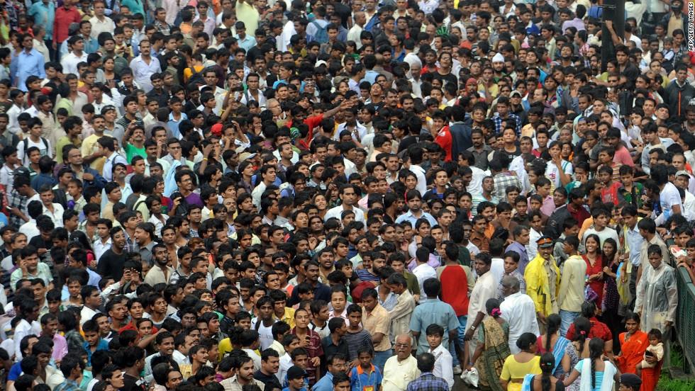 Image result for rajesh khanna crowd