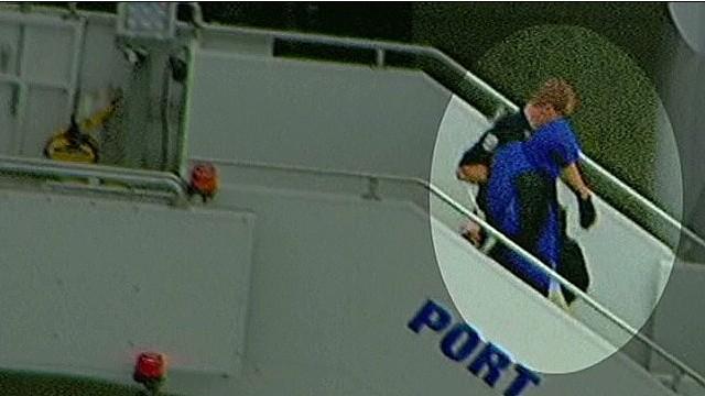 Man disrupts flight screams about CIA poison passengers ...