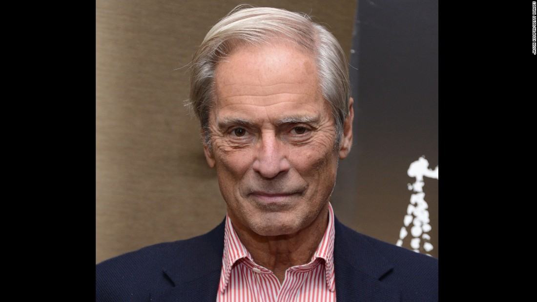 """NEW YORK, NY - OCTOBER 02:  Bob Simon attends """"The Central Park Five"""" New York Special Screening at Dolby 88 Theater on October 2, 2012 in New York City.  (Photo by Jason Kempin/Getty Images)"""
