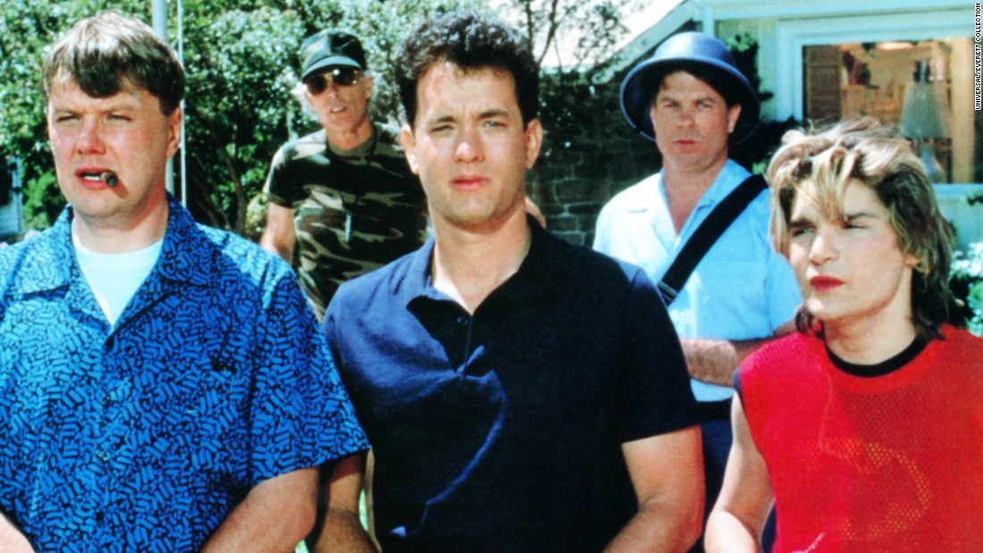 THE 'BURBS, front from left: Rick Ducommun, Tom Hanks, Corey Feldman, Brue Dern (rear left), 1989, © Universal/Everett Collection