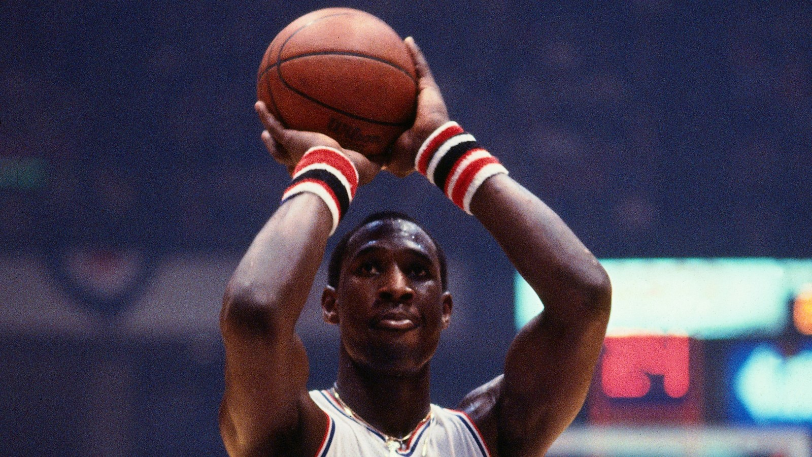 PHILADELPHIA - CIRCA 1980: Darryl Dawkins #53 of the Philadelphia 76ers shoots a foul shot during a game played circa 1980 at the Spectrum in Philadelphia, Pennsylvania. NOTE TO USER: User expressly acknowledges and agrees that, by downloading and or using this photograph, User is consenting to the terms and conditions of the Getty Images License Agreement. Mandatory Copyright Notice: Copyright 1980 NBAE (Photo by Ron Koch/NBAE via Getty Images)